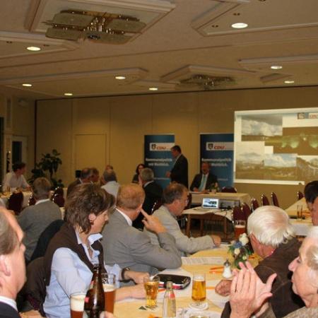 Mitgliederversammlung und Diskussion mit Lisa Winkelmeier-Becker MdB (Oktober 2011)
